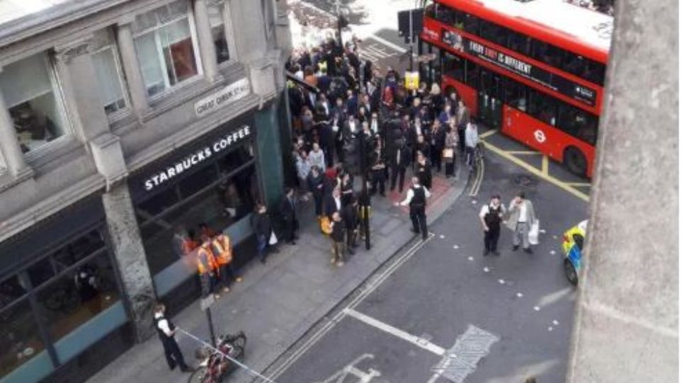 Εκκενώθηκε κεντρικός δρόμος του Λονδίνου λόγω «ύποπτου πακέτου»