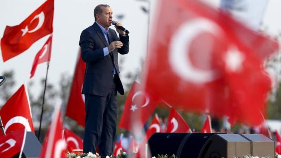 Γερμανία: Κατά 55% αυξήθηκαν οι Τούρκοι που ζητούν άσυλο