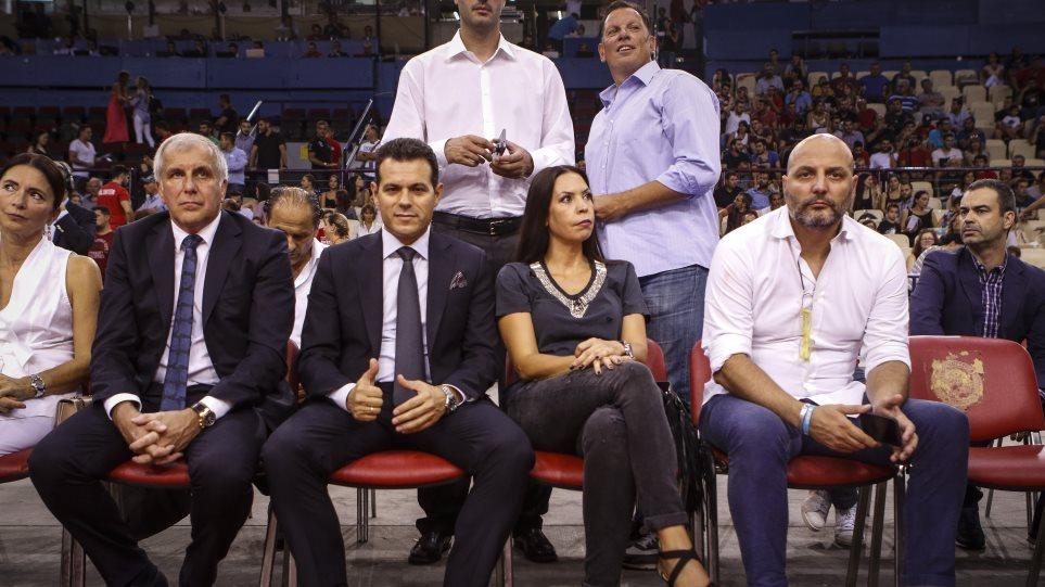 Βίντεο: Ο κόσμος του Ολυμπιακού αποδοκίμασε όσους γιούχαραν τον Ομπράντοβιτς!