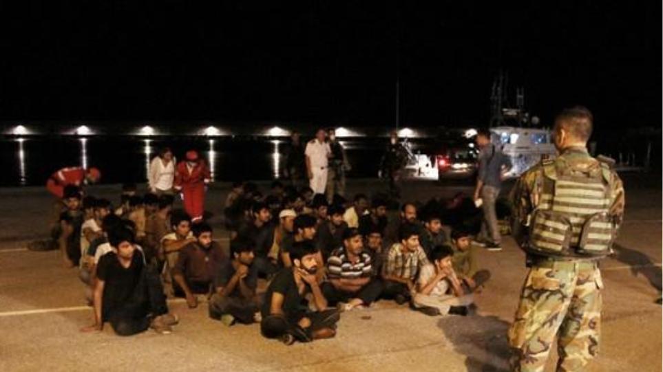 Στο λιμάνι της Καλαμάτας 63 μετανάστες που βρέθηκαν σε ιστιοφόρο
