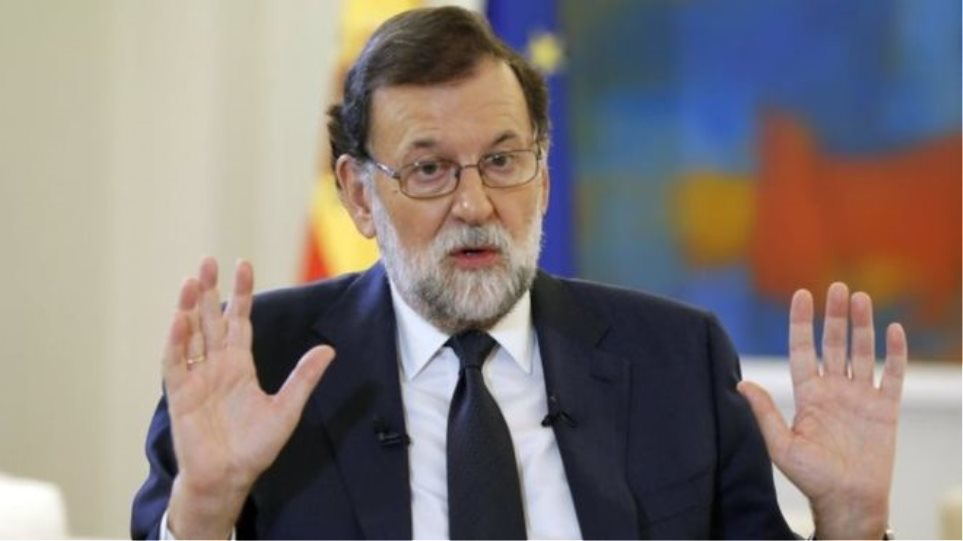 Ο Ραχόι δεν αποκλείει την αναστολή της αυτονομίας της Καταλονίας