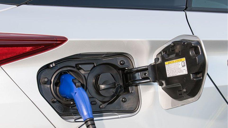 Θα κυκλοφορούν υποχρεωτικά μόνο ηλεκτρικά αυτοκίνητα...