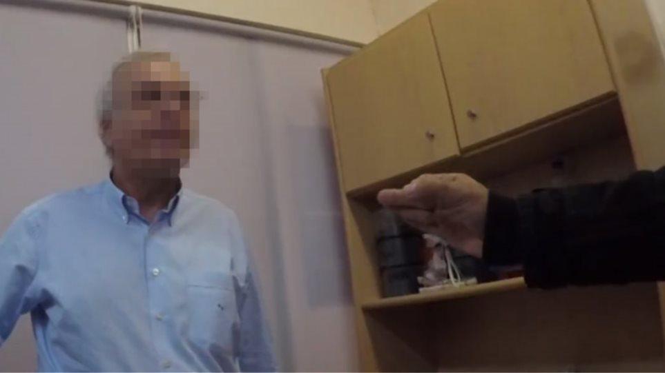 Βίντεο σοκ: «Θα σου κόψουμε το χέρι!»-Μέλη του Ρουβίκωνα τραμπούκισαν χειρουργό μέσα στον Ευαγγελισμό!