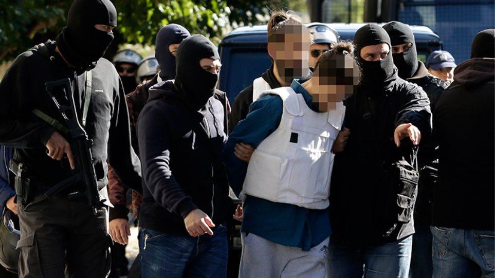 «Αποφάσισες να σκοτώσεις τον Λουκά Παπαδήμο...»: Βαριές ποινικές διώξεις για τον 29χρονο τρομοκράτη