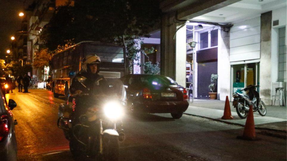 Πυροβόλησαν με καλάσνικοφ τα γραφεία του ΠΑΣΟΚ - Ήθελαν νεκρούς αστυνομικούς