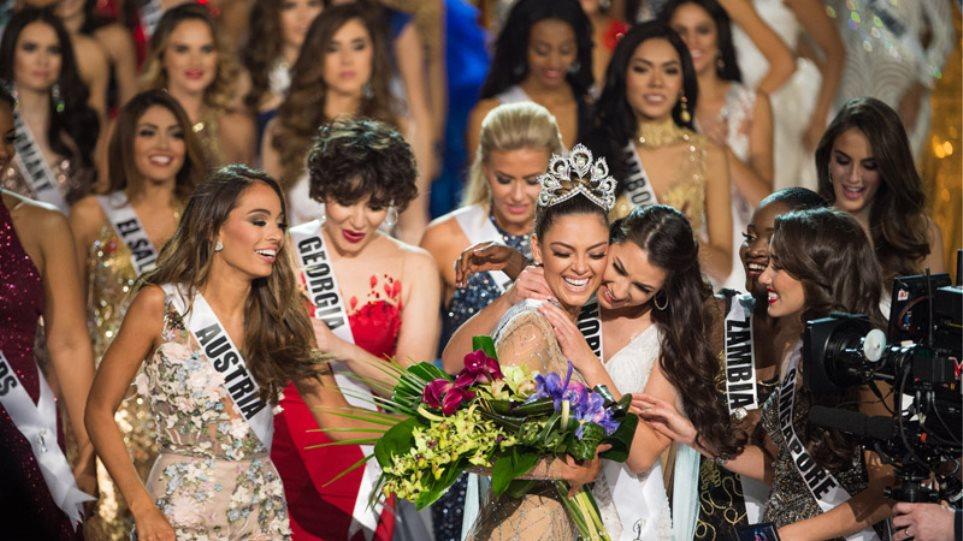 Μια Νοτιοαφρικανή καλλονή ανακηρύχθηκε «Miss Universe 2017»
