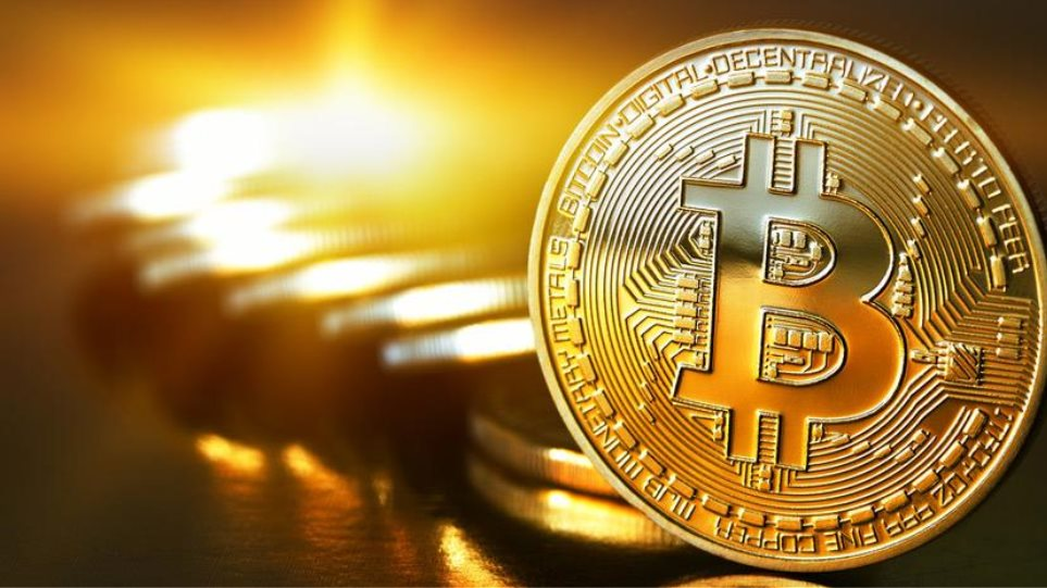 Ξεπέρασε τα 10.000 δολάρια η τιμή του bitcoin