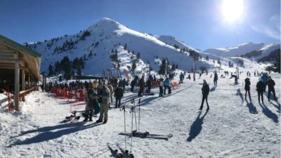Χαμός στο Χιονοδρομικό Καλαβρύτων: Περίπου 20 χιλιάδες επισκέπτες τα Χριστούγεννα