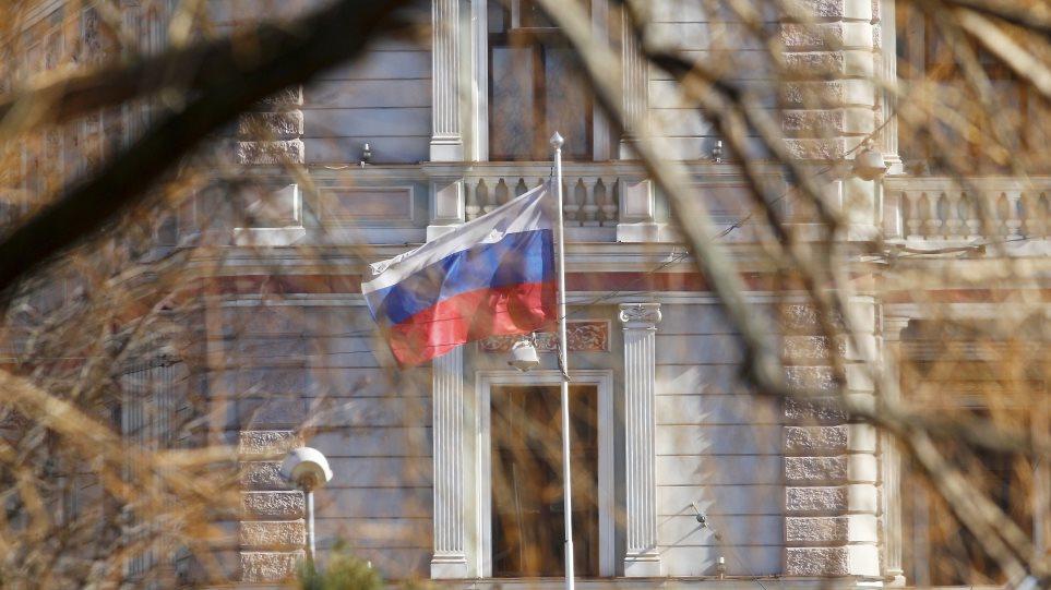 Μπαράζ απελάσεων κατά της Ρωσίας: 23 χώρες έδειξαν την έξοδο σε 137 Ρώσους διπλωμάτες