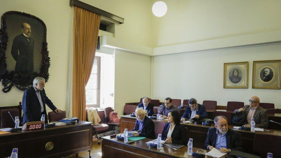 Οι ΣΥΡΙΖΑΝΕΛ κλείνουν άρον-άρον την υπόθεση Novartis και την επιστρέφουν στη Δικαιοσύνη