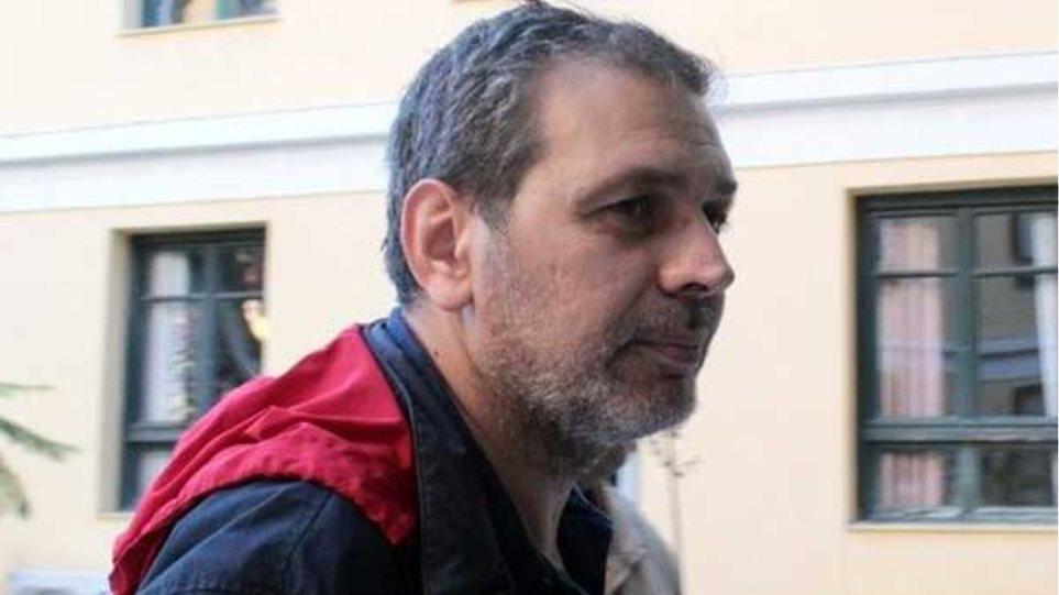 Ο Στέφανος Χίος μέσα από το κρησφύγετό του: Οπλοφορώ εδώ και επτά χρόνια
