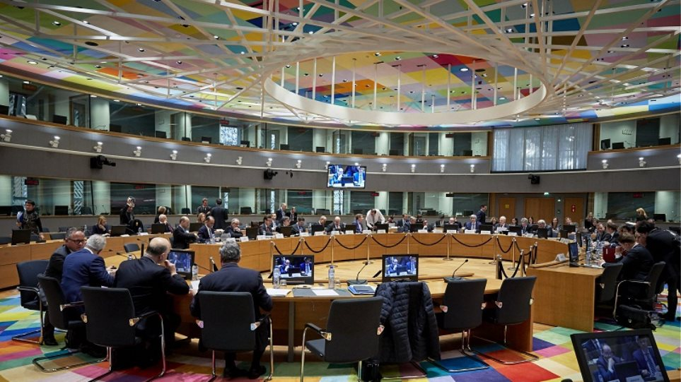 Bloomberg: Στο Eurogroup στη Σόφια θα συζητηθεί η ρήτρα ανάπτυξης του ελληνικού χρέους
