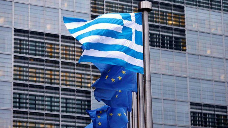 Η Κομισιόν υποβαθμίζει τις εκτιμήσεις της για την ελληνική οικονομία