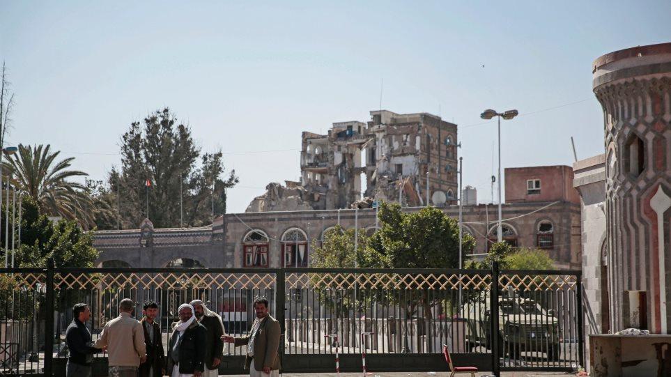 Επίθεση στο προεδρικό μέγαρο της Υεμένης: Τουλάχιστον 6 νεκροί και πάνω από 30 τραυματίες