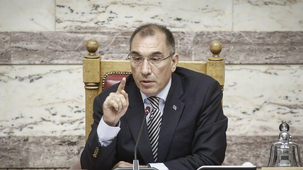 Βουλή: Πιέσεις στον Δημήτρη Καμμένο για να παραδώσει την αντιπροεδρία
