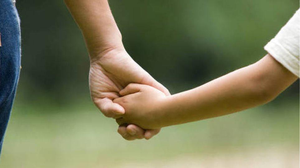 Επίδομα παιδιού: Περισσότερες από 630.000 οι αιτήσεις