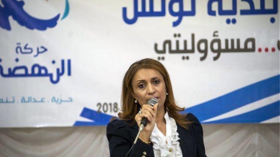 Τυνησία: Η πρώτη γυναίκα δήμαρχος της πρωτεύουσας θα υπερασπιστεί τις γυναίκες... αρκεί να μην είναι ανύπανδρες μητέρες