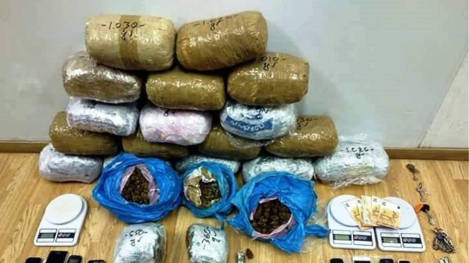 Ναρκωτικά: Εξαρθρώθηκε μεγάλη σπείρα αλλοδαπών που έκανε εμπόριο στο κέντρο της Αθήνας