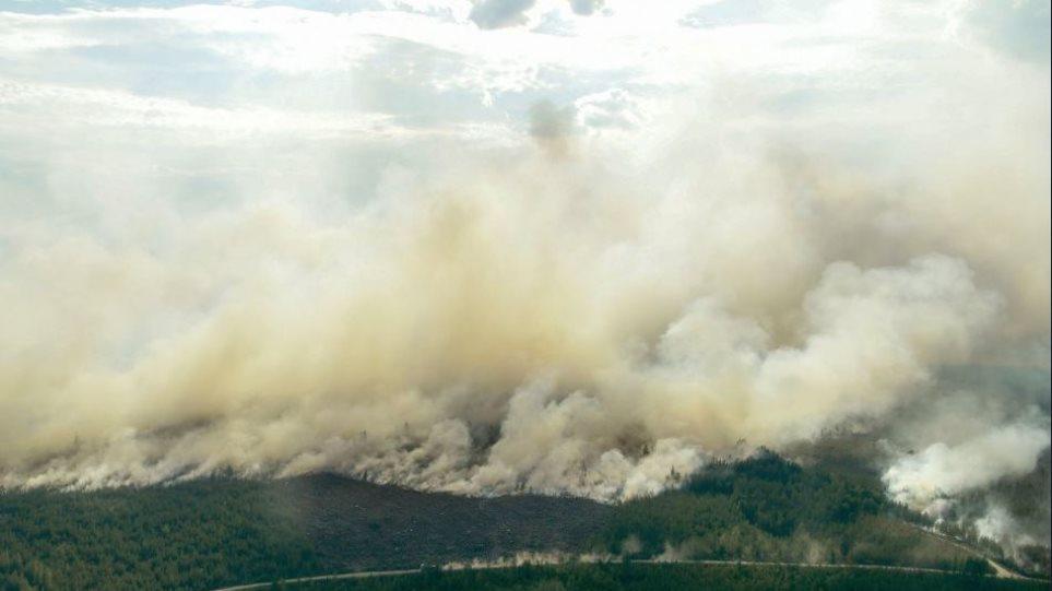 Σε ασφυξία η Ευρώπη: Πρωτοφανείς πυρκαγιές και υψηλές θερμοκρασίες στον Βορρά