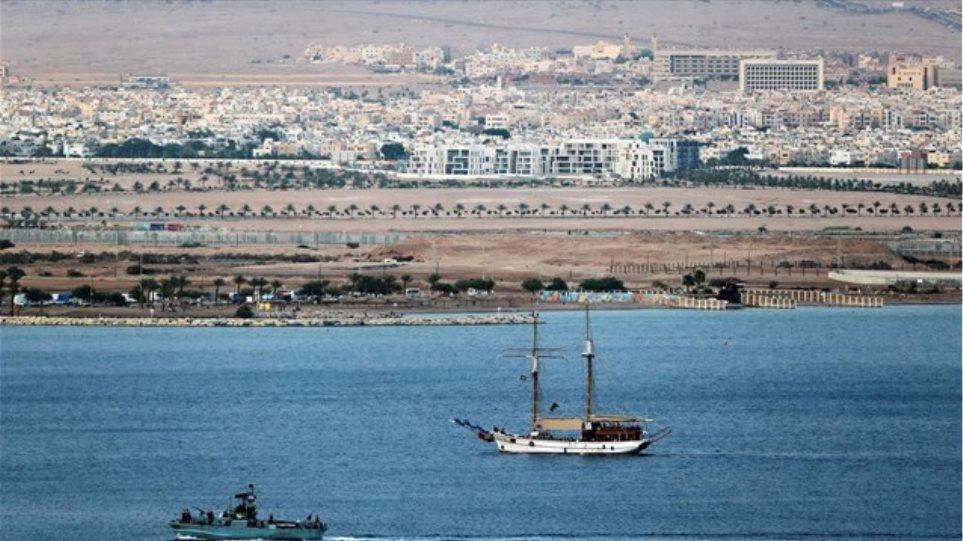 Το Ισραήλ εμπόδισε πλοίο ακτιβιστών που μετέφερε βοήθεια στη Γάζα