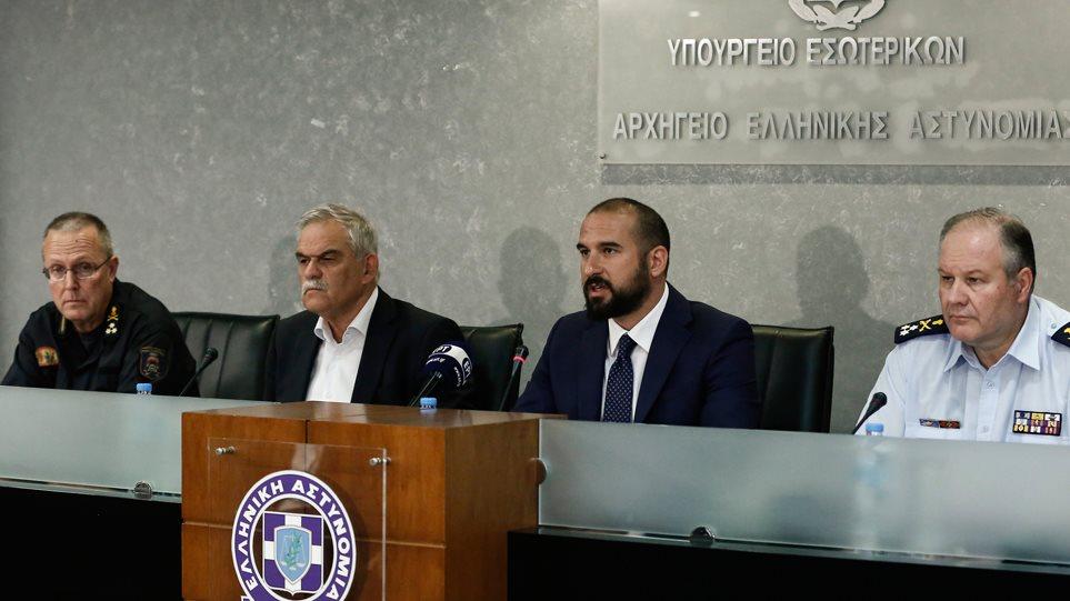 Παραιτήθηκε ο Τόσκας με 11 μέρες καθυστέρηση