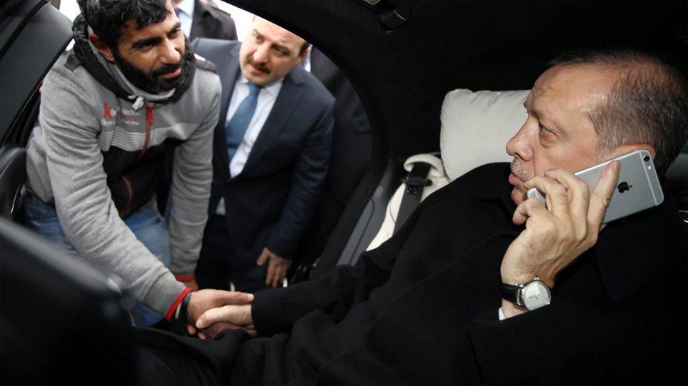 Κλιμακώνει την κόντρα με τις ΗΠΑ ο Ερντογάν: Κάνει μποϊκοτάζ στα iPhone!
