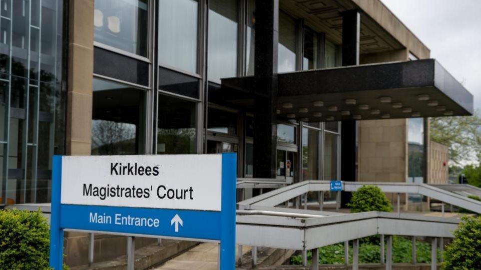 Βρετανία: Συνελήφθησαν 31 άτομα για βιασμό και σωματεμπορία ανηλίκων 12-18 ετών!