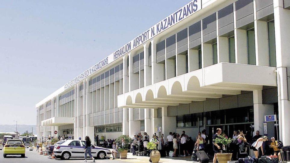 «Μπαράζ» συλλήψεων στα αεροδρόμια της Κρήτης για πλαστά