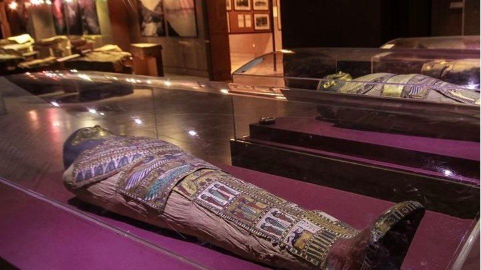 Αιγυπτιακά ζευγάρια που χρονολογούνται