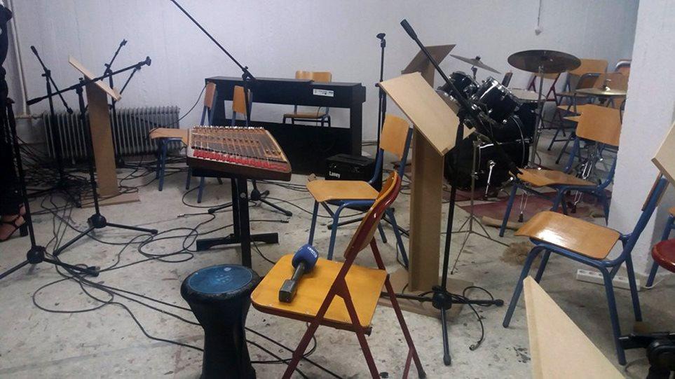 Φωτογραφίες: Άγνωστοι έκαναν «γης μαδιάμ» το Μουσικό Σχολείο Καβάλας - Έσπασαν μέχρι και μουσικά όργανα