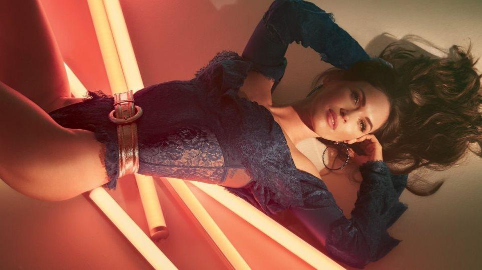 Megan-Fox-Sexy-Lingerie-5