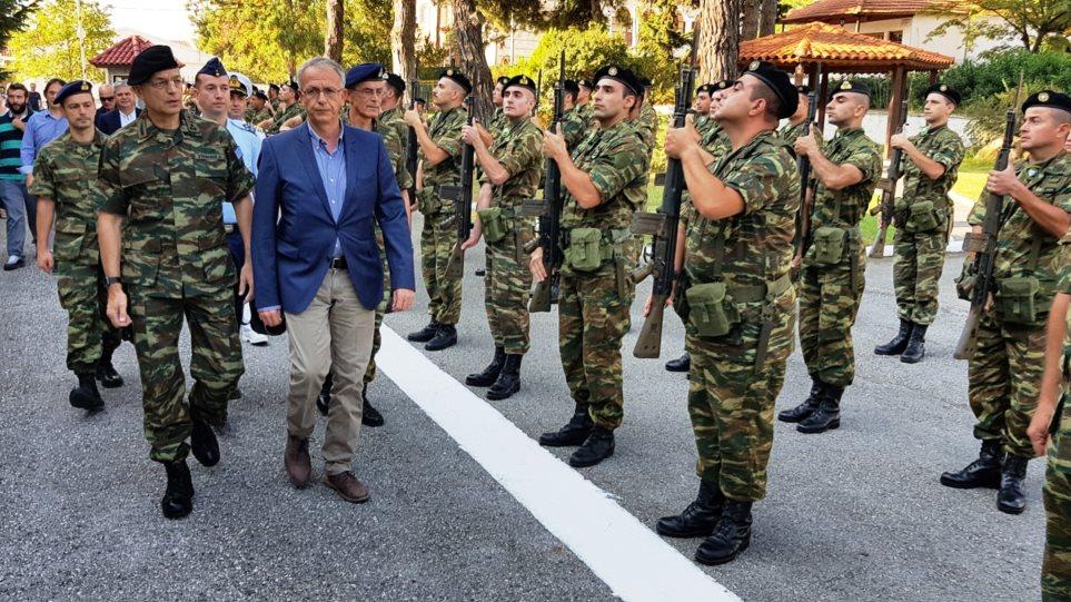 Πάνος Ρήγας: Ο Τσίπρας θα ανακοινώσει στήριξη των στρατιωτικών - Δεν υπάρχει λόγος για περικοπές συντάξεων
