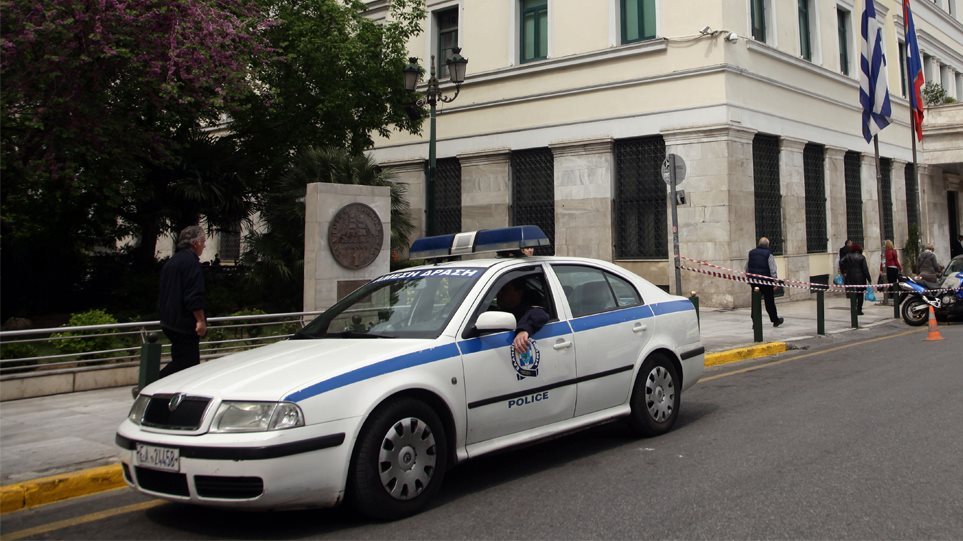 police_athens1