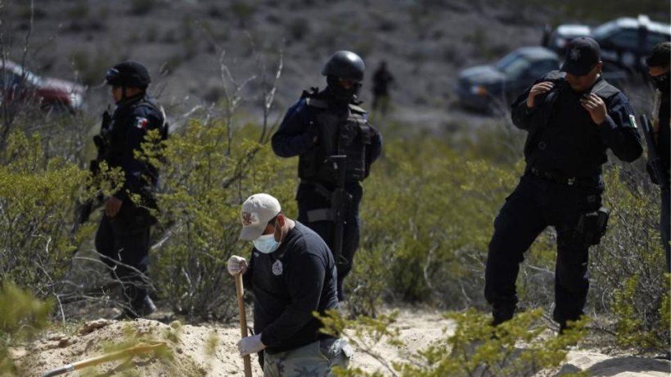 mexico-drug-war-grave
