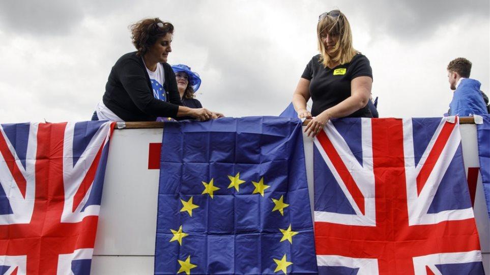 Βρετανία: Η αστυνομία ετοιμάζεται για κοινωνικές αναταραχές μετά το Brexit