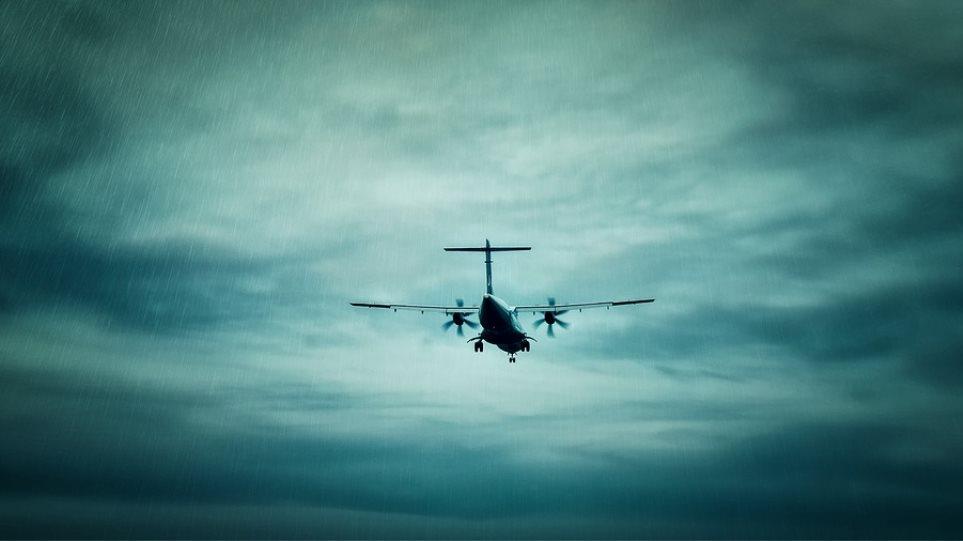 plane-bad-weather