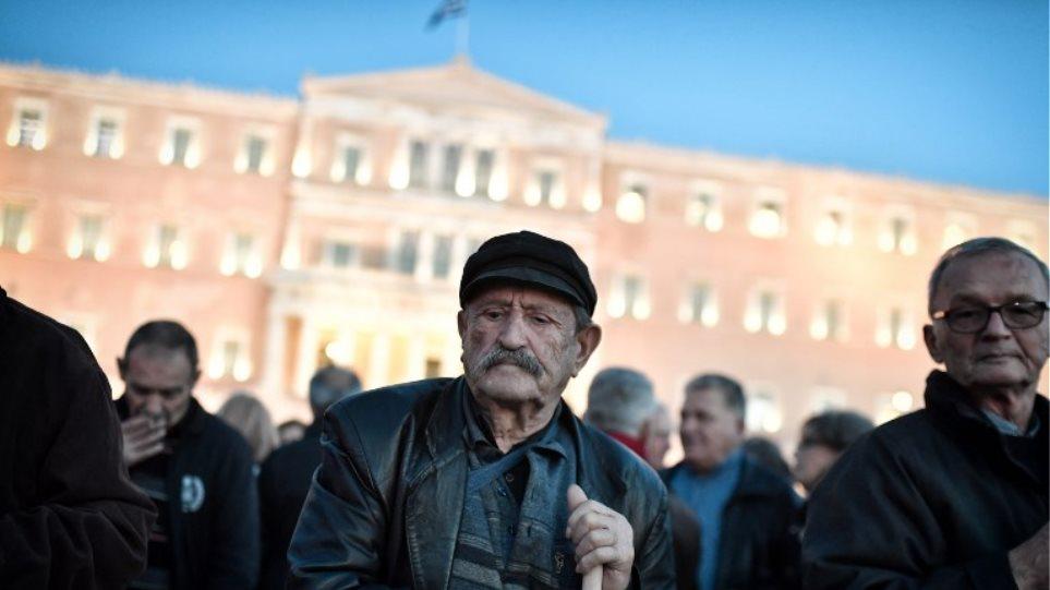 Μετά το «brain drain» έρχεται στην Ελλάδα το «elders drain»: Στη Βουλγαρία μεταναστεύουν οι Ελληνες συνταξιούχοι!