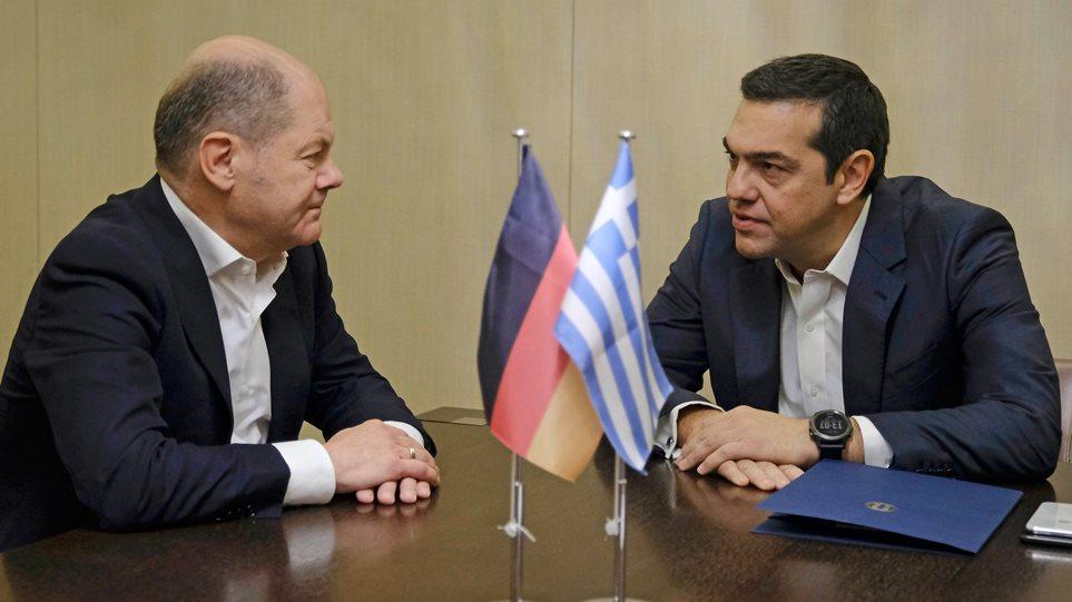 Σολτς: Στο σωστό δρόμο η Ελλάδα, αλλά... ούτε κουβέντα για τις συντάξεις