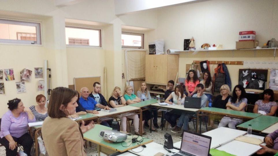 Κραυγή αγωνίας από 48 Διευθυντές Σχολείων Δεύτερης Ευκαιρίας: Εγκατάλειψη και κίνδυνος για «λουκέτο»
