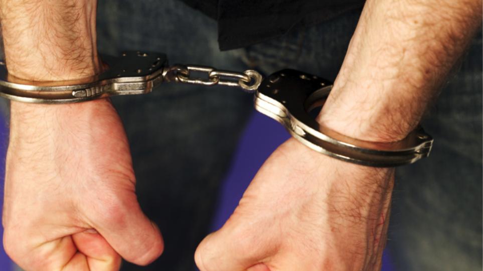 Αγρίνιο: Έκλεψε τα «Σκρατς» και η… τύχη του «χάρισε» χειροπέδες
