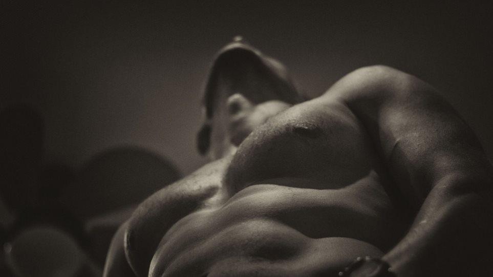 μαύρο αρσενικό στρίπερ σεξ βίντεο