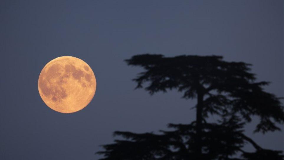 Αποτέλεσμα εικόνας για σεληνη