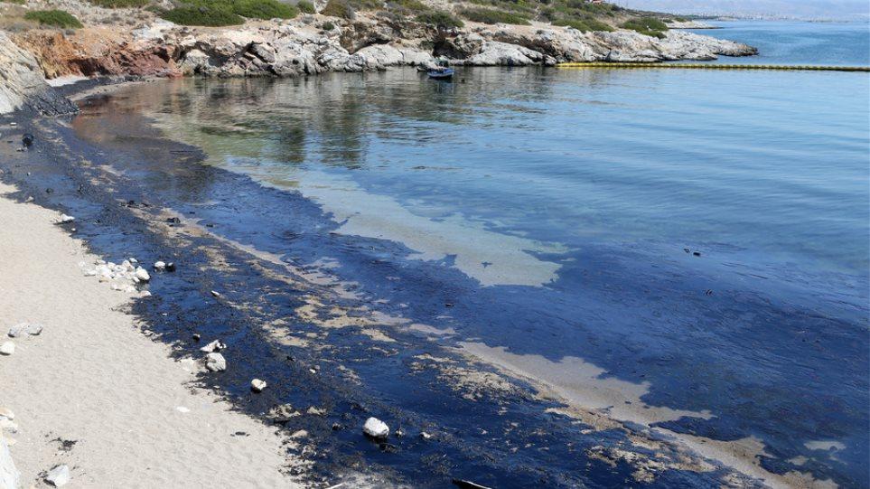 Είκοσι τοξικά ναυάγια στην Ελλάδα: Πού βρίσκονται οι περιβαλλοντικές «βόμβες»