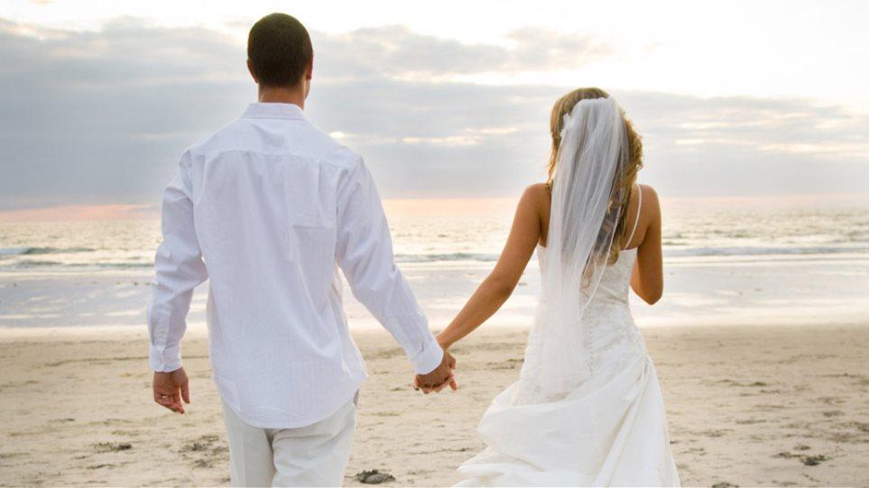 e36c88ecc940 Δεκάδες λευκοί γάμοι μεταναστών για... το διαβατήριο