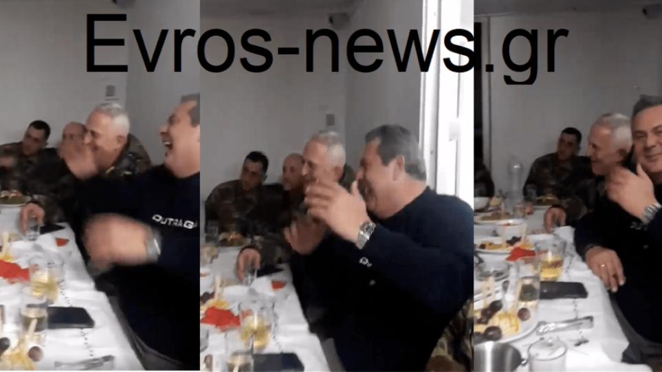 Βίντεο: Το «έκαψε» στον Έβρο ο Πάνος Καμμένος - Δείτε τον να τραγουδά το «Άκου βρε φίλε»