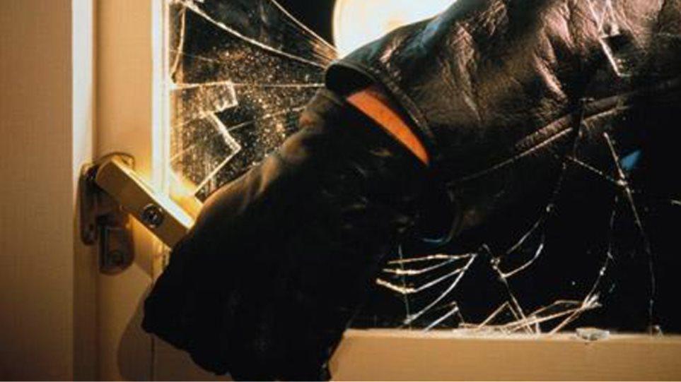 Ανήλικος σε σπείρα με εννέα διαρρήξεις στα Τρίκαλα