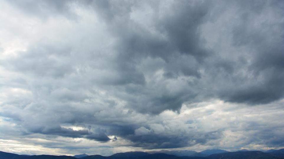 Καιρός: Τοπικές νεφώσεις και βροχές σε όλη τη χώρα