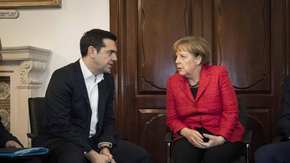 Ο Τσίπρας μίλησε με Μέρκελ για Σκόπια, Τουρκία αλλά όχι για οικονομία