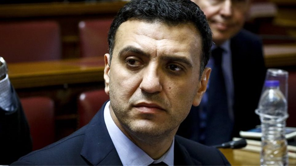 Greek Defence Minister Kammenos calls ND shadow Minister Kikilias for urgent briefing