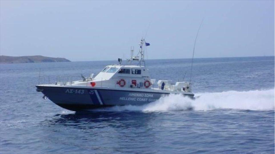 Επιχείρηση του λιμενικού σε σκάφος νότια της Κρήτης